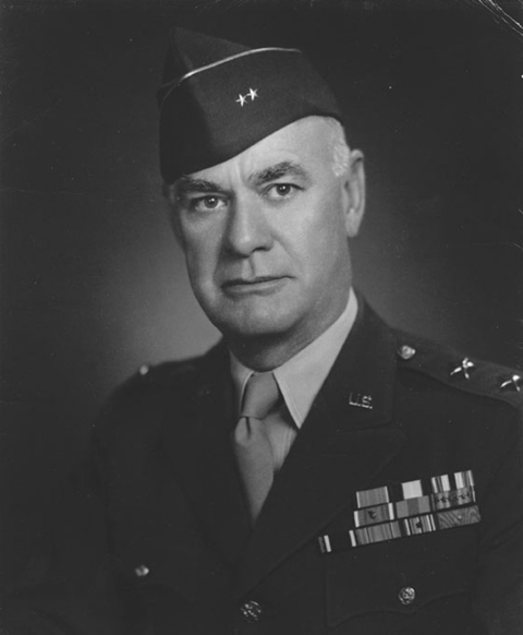 "<p>Il generale Fred L. Walker, comandante della 36ª divisione US.</p><p class='eng'>Once described as an ""amiable mastiff,"" Major General Fred L. Walker had been Mark Clark's instructor at the Army War College in the 1930s. As the Rapido attack turned into a debacle, Walker's disaffection increased. ""The stupidity of some higher commanders seems to be profound,"" he wrote.</p>"