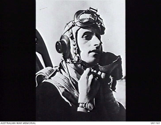 <p class='eng'>Italy. 1944/04/05. Wing Commander Brian Eaton DSO, DFC, Commanding Officer of No.3<br /> (Kittyhawk) Squadron RAAF. (AWM UK1161)</p>